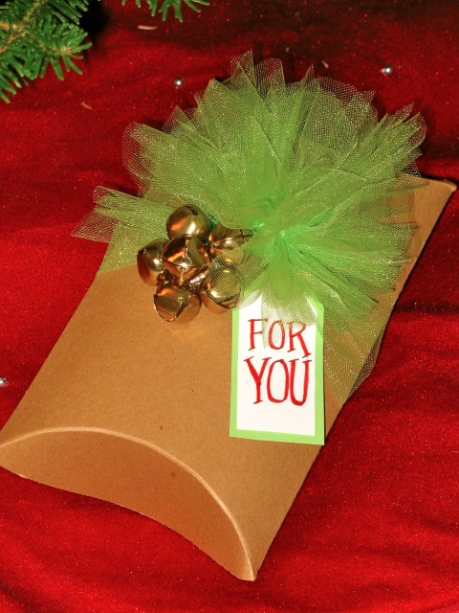 Creative holiday gift wrapping 1