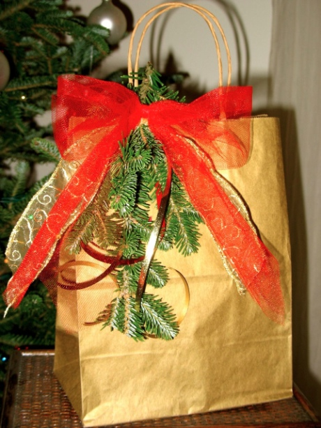 Creative holiday gift wrapping 7