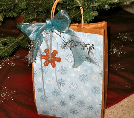 Creative holiday gift wrapping 6