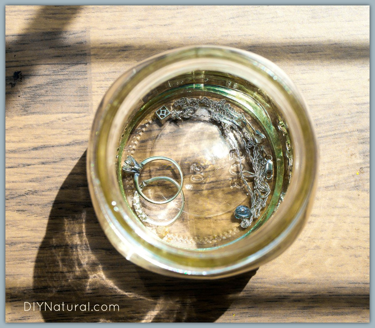 Homemade Jewelry Cleaner: An Effective and Natural Recipe