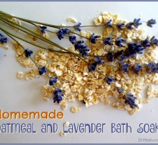 Homemade Oatmeal Lavender Bath Soak for Dry Skin