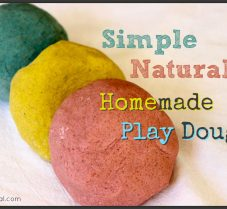 A Simple All-Natural Homemade PlayDough Recipe